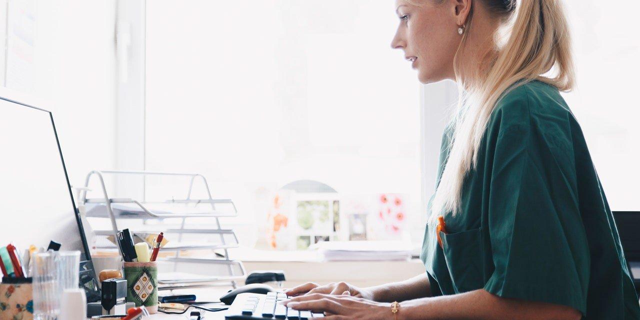 Поиск копирайтера для корпоративного блога